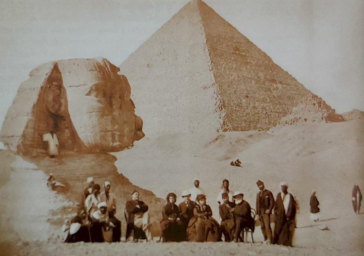 1871 - Dom Pedro II diante da Esfinge de Gizé e da Pirâmide de Quéops